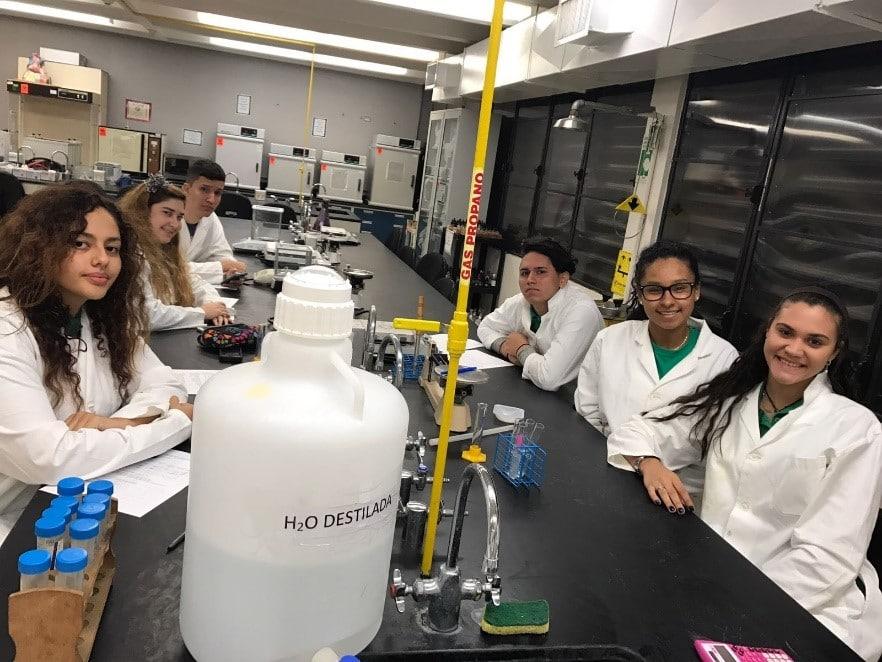 Laboratorios-Ciencia2-Upward