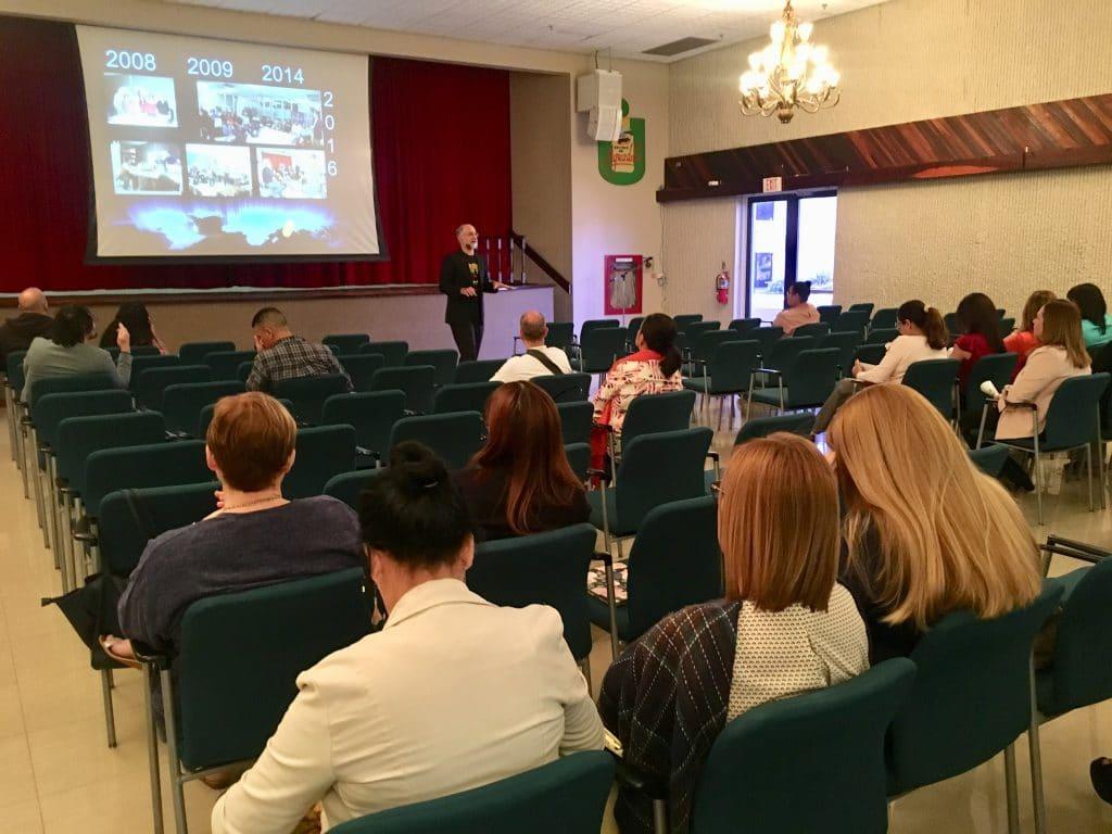 Orientación InterEmprende impartida por el Dr. Alex Rodríguez.